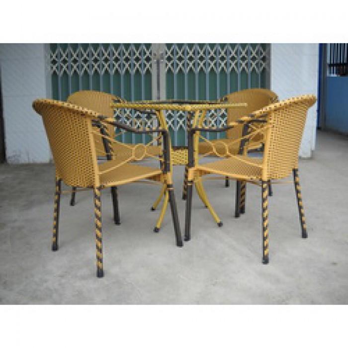 Chuyên sản xuất các loại bàn ghế nhựa giả mây cafe giá rẻ..2
