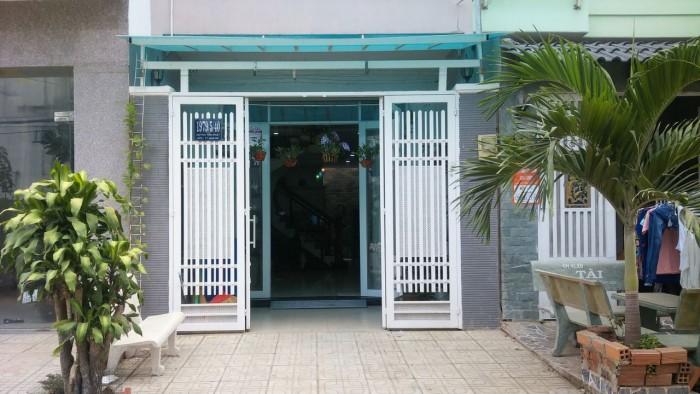 Bán nhà Nhà Bè hẽm xe hơi 1979 Huỳnh Tấn Phát