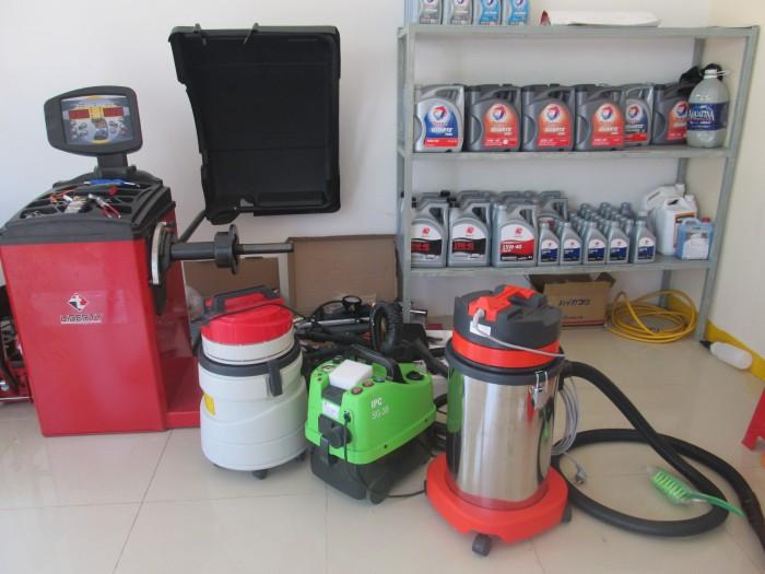 dịch vụ rửa xe bằng hơi nước nóng