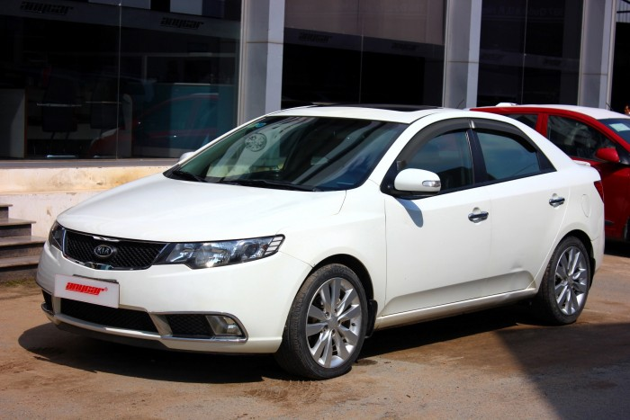 Bán Kia Forte SX 1.6AT màu trắng 2010 biển sài gòn số tự động 2