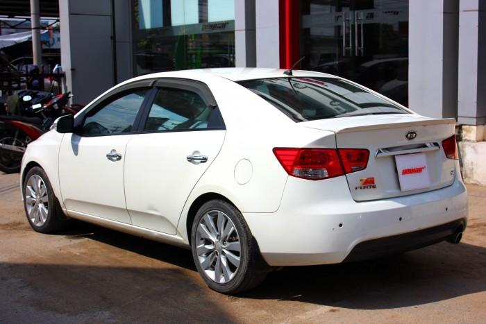 Bán Kia Forte SX 1.6AT màu trắng 2010 biển sài gòn số tự động 3