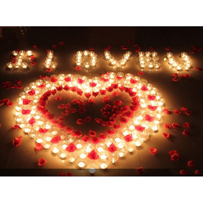 Nến Tealight được trang trí tại  các sự kiện: sinh nhật, đám cưới, ngày lễ tình nhân...., làm tăng không khí ấm cúng và lãng mạn.