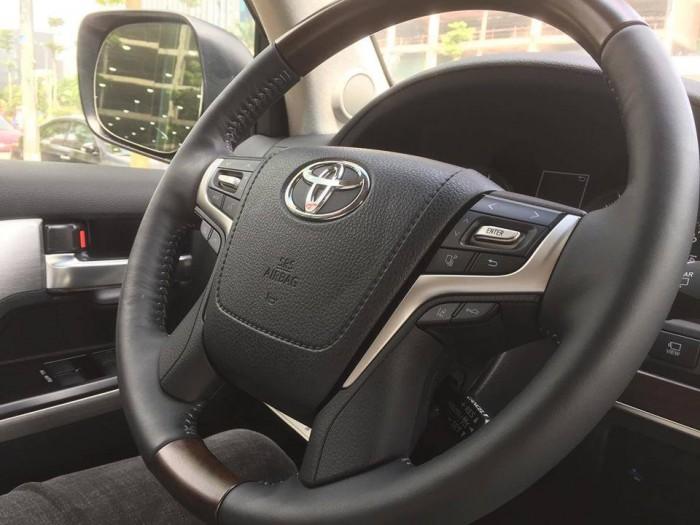 Toyota Landcruiser 5.7 Nhâp Mỹ 2016. Màu đen, nội thất đen 9