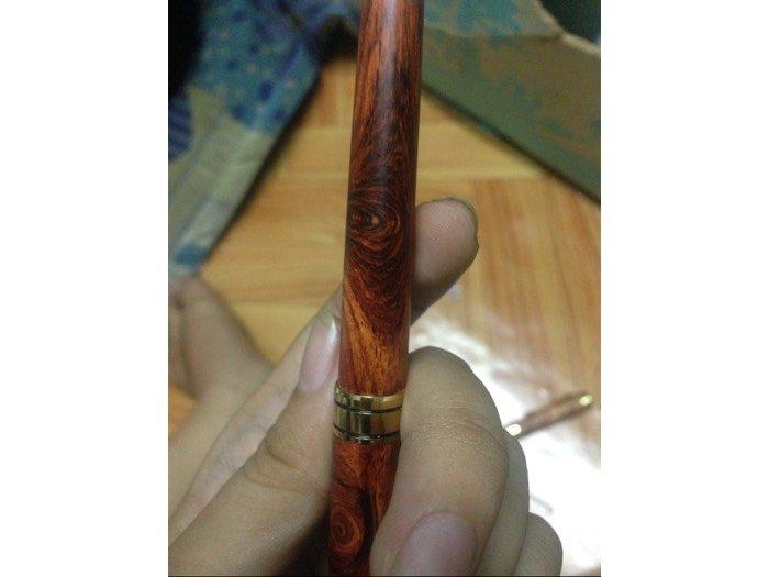 Bút gỗ Sưa dây Lào3