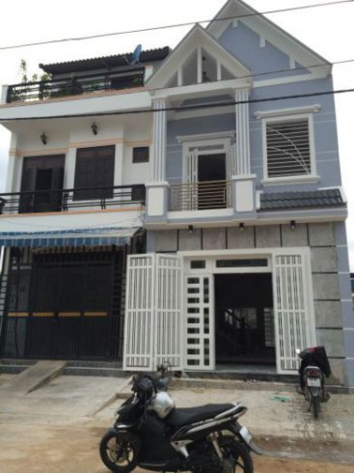 Nhà 1 trệt 1 lầu ,Phan văn hớn, HM, SHR ,CC