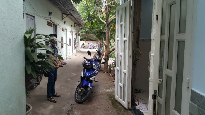 Bán nhà đường Lê Văn Khương , phường Hiệp Thành, quận 12, Hướng Đông Nam Hẻm  4 m. Hướng Đông Nam