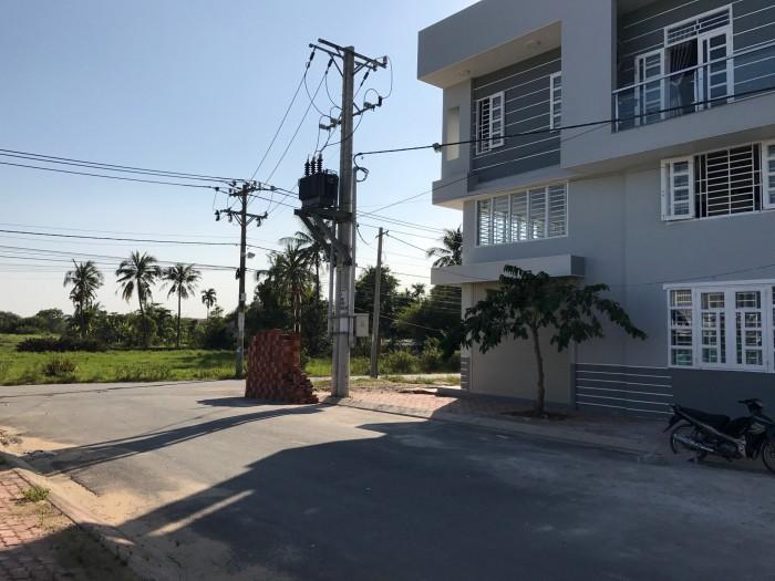 Bán lô đất đường 13m đường Gò Cát - 970, P. Phú Hữu, quận 9