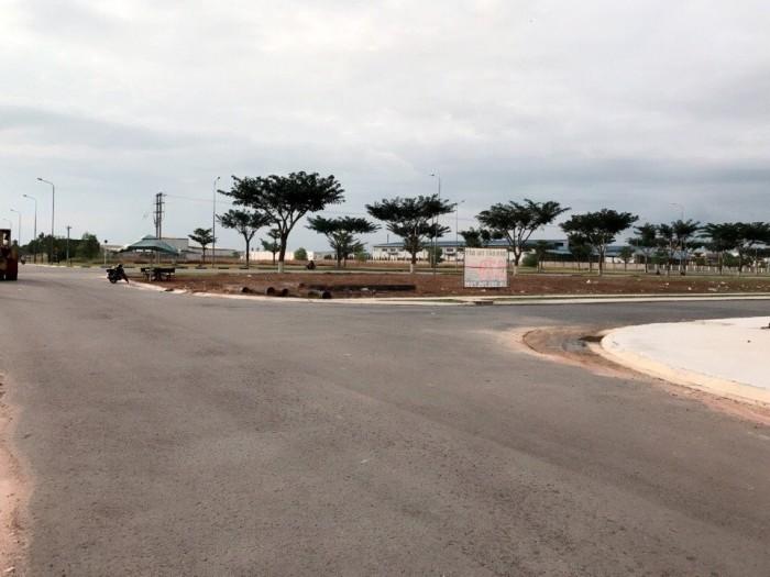 Cần bán 2 lô đất 2 mặt tiền,ngay cổng vào KCN Vsip 2 TP Mới Bình Dương,giá đầu tư.