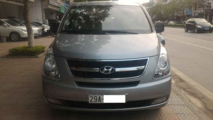 Hyundai Starex sản xuất năm 2013 Số tay (số sàn) Dầu diesel