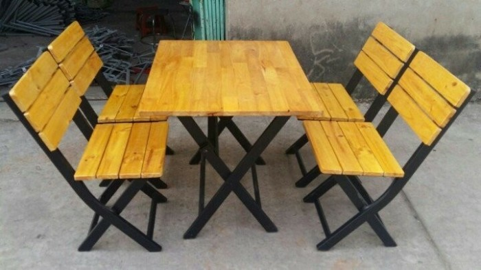 Bàn ghế gỗ sơn màu2