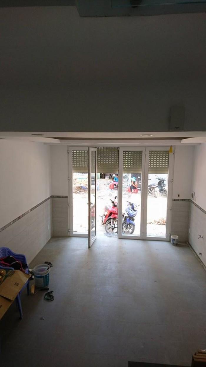 Bán nhà riêng, 3 lầu, DT 200m2, 4 PN, phòng thờ, sân thượng, Hoàng Quốc Việt, Q 7 giá 4.1 tỷ