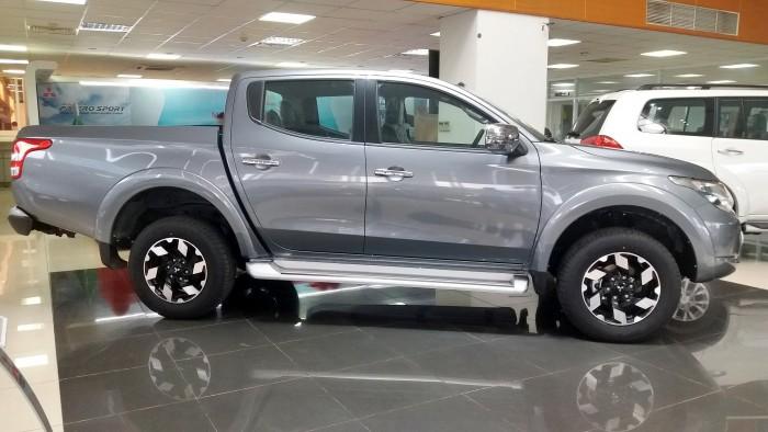 Mitsubishi Triton sản xuất năm 2017 Số tay (số sàn) Động cơ Xăng