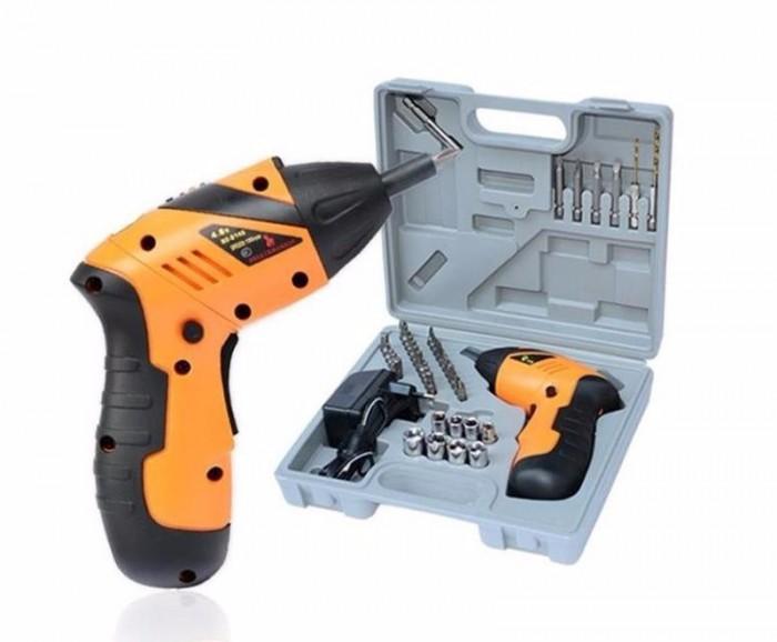 Máy khoan bắt vít dùng pin 45 in 1 được sản xuất với công suất mạnh mẽ trong việc vặn những chiếc vít để bạn có thể dễ dàng sửa chữa máy móc, tân trang nhà cửa,... rất tiện lợi.0