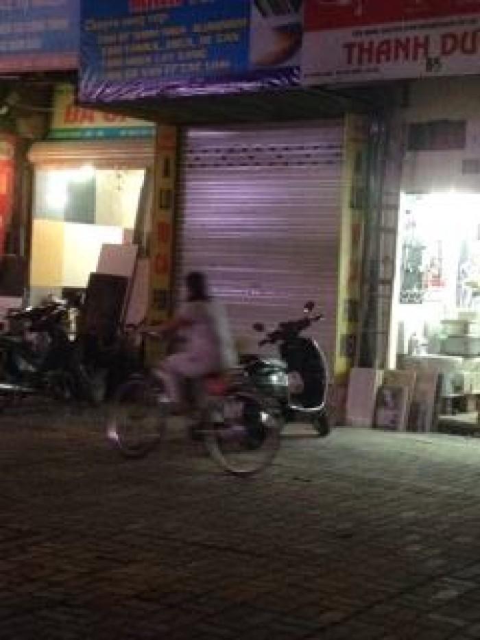 Cần bán nhà 5 tầng phố Nguyễn Lương Bằng, giá 2.3 tỷ