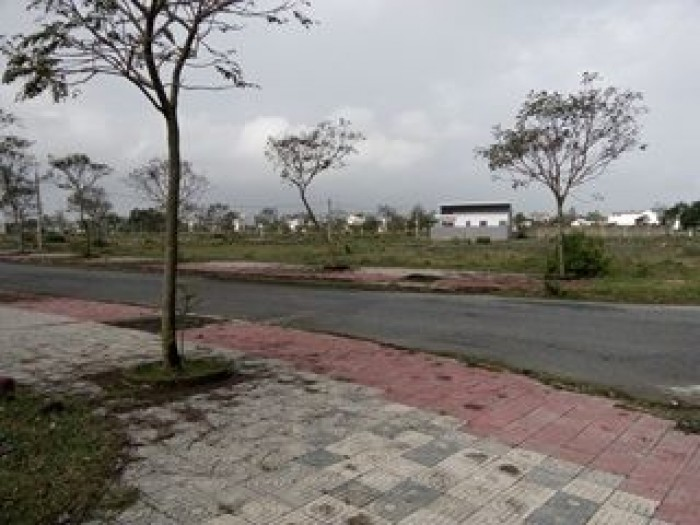 Bán 2 lô đất liền kề thuộc khu đô thị số 3