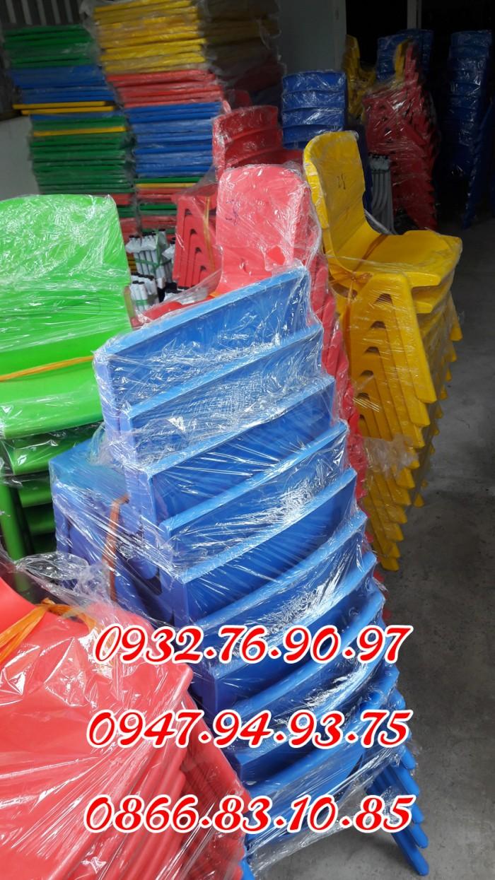 Ghế nhựa đúc nhập khẩu mầm non , các loại ghế tốt2