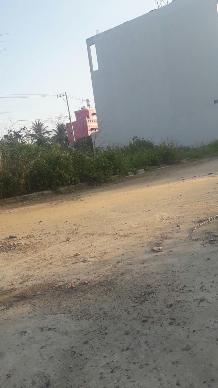 Bán Gấp Lô Đất Thổ Cư, DT 98m2, Đường Hà Huy Giáp, Phường Thạnh Lộc, Giá 12,6tr/m2.