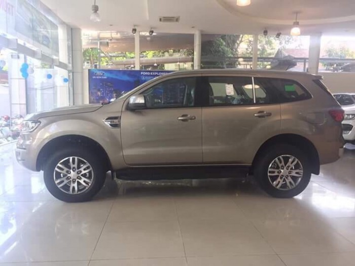 Ford Everest Trend Mới  giá sốc ! 1.090.000.000 0