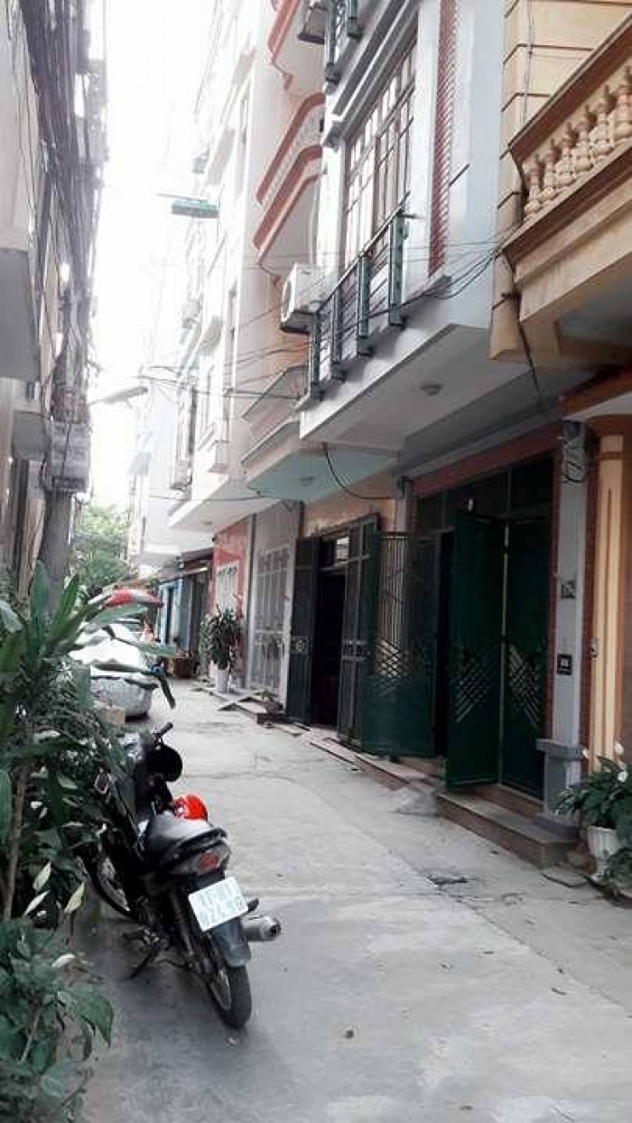 Bán nhà riêng 252 Hoàng Quốc Việt- giá ngoại giao- 44m2