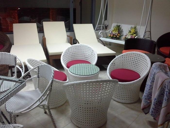Cần thanh lý ghế cafe, sofa, kiểu sang trọng chất liệu nhựa giả mây dùng cho quán cafe4