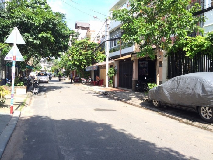 Bán nhà biệt thự MT Đồng Nai DT 12.8x19m Giá 33.2 tỷ