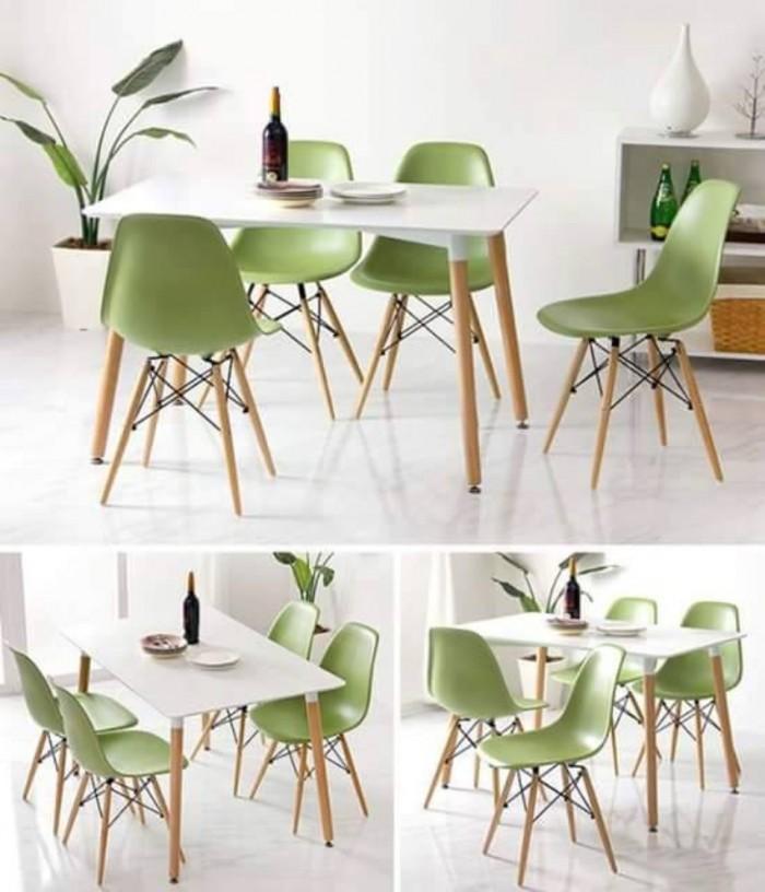 Công ty đang sản xuất và nhập khẩu các sản phẩm bàn ghế nhựa đúc4