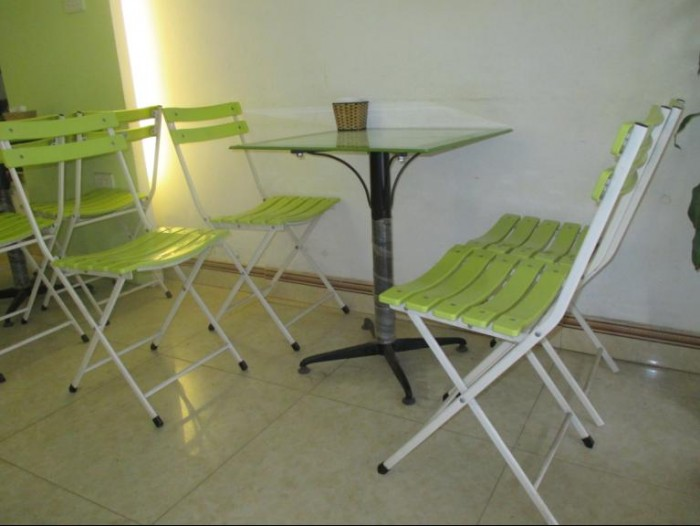 Bàn ghế sắt mỹ nghệ nhiều màu rẻ và đẹp0