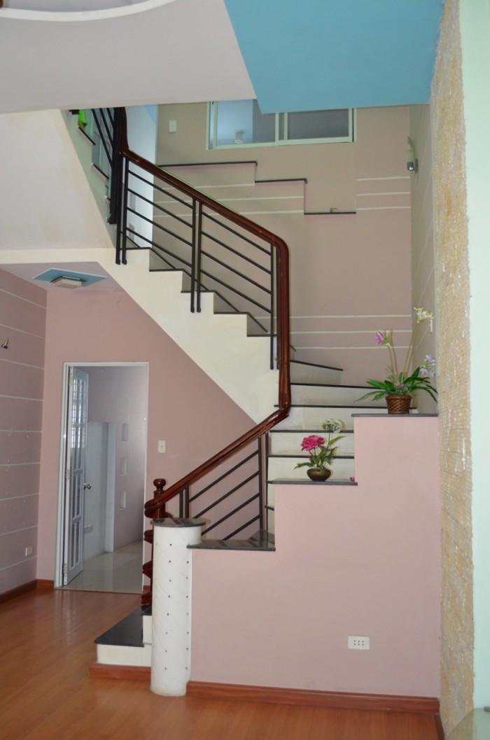 Cần tiền bán gấp nhà mới hẻm 3m đường Trần Hữu Trang, P.11. Q. Phú Nhuận. DT : 4m x 11m. Giá 4,5 tỷ.