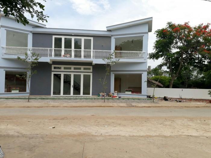 Kẹt tiền bán gấp đất 2 mặt tiền đường Nguyễn Hữu Trí Bến Lức , Long An