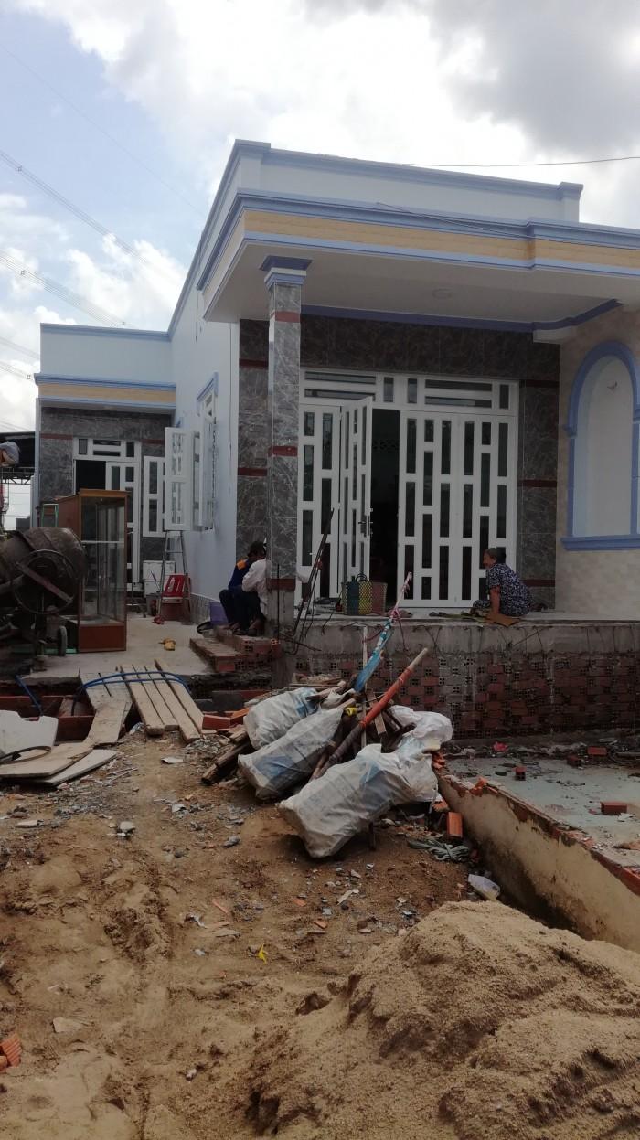 Nhà lầu mới 100% đường Nguyễn Hữu Thọ kéo dài