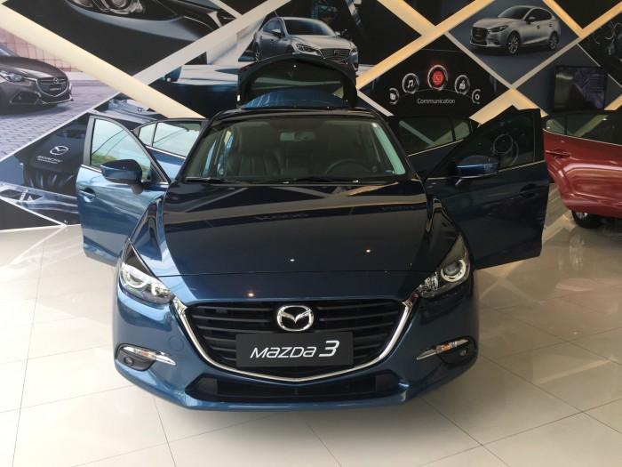 Mazda  sản xuất năm 2017 Số tự động Động cơ Xăng