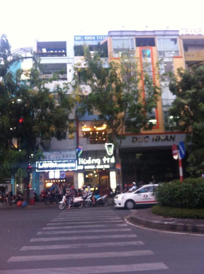 Cho thuê nhà nguyên căn, mặt tiền đường Nguyễn Văn Thủ, Quận 1
