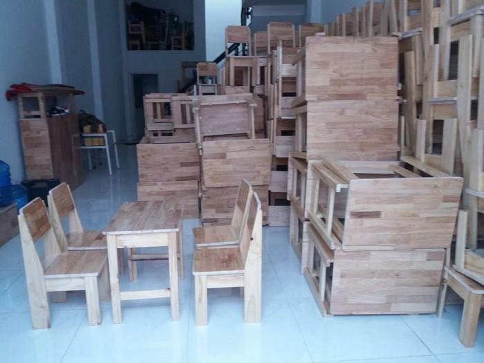 Cần thanh lý bàn ghế gỗ dùng cho cafe trà sữa..0