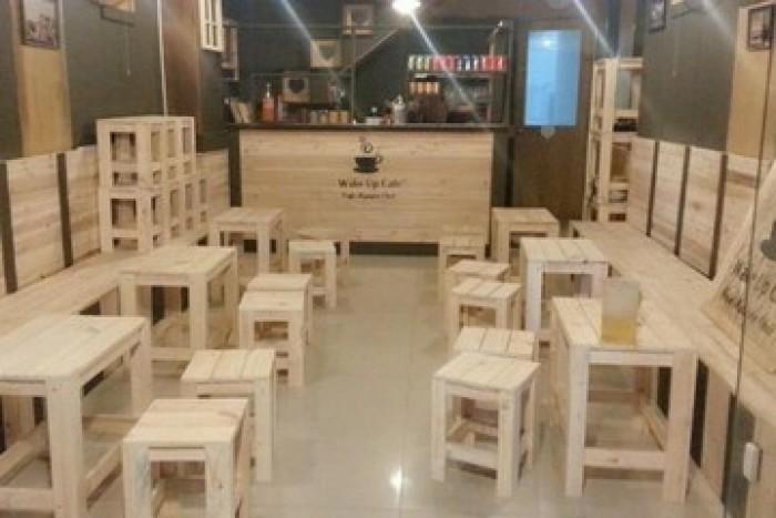 Cần thanh lý bàn ghế gỗ dùng cho cafe trà sữa..3