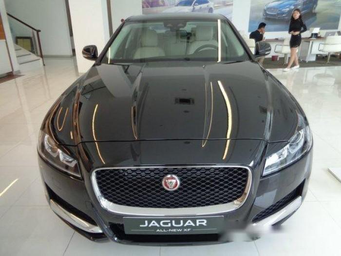 Cần bán giá xe Jaguar XF năm 2017, màu xanh, màu đen