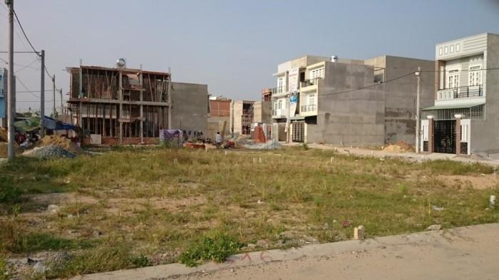 Bán gấp đất mặt tiền kinh doanh ngay trung tâm thị trấn Đức Hòa 250 m2, giá 590 triệu