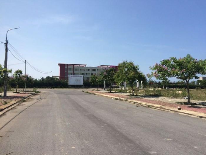 Đất Trường Cao Đẳng Đông á, 600 Triệu