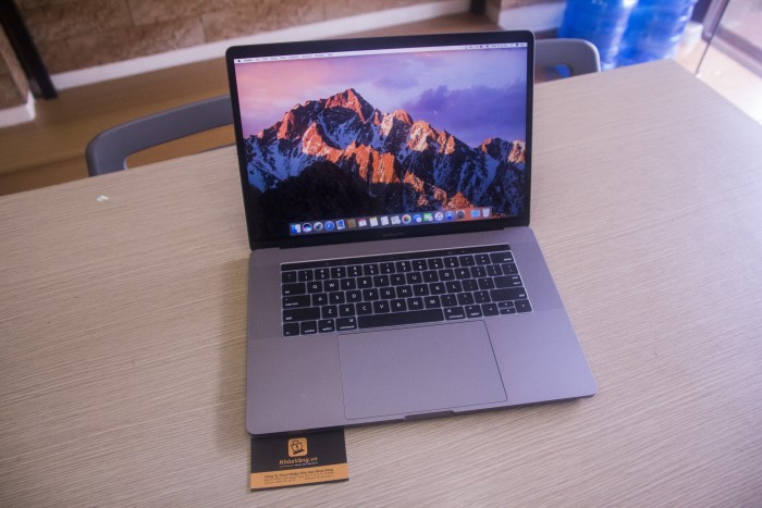 Macbook Pro Retina MLH42 LATE 2016 15 inch Touch bar5