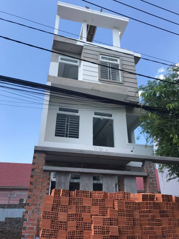 Bán căn biệt thự (7x20) Tân Xuân khu dân cư Víp Tô Ký vào 1 sẹc.Giá 4 tỷ 100 triệu