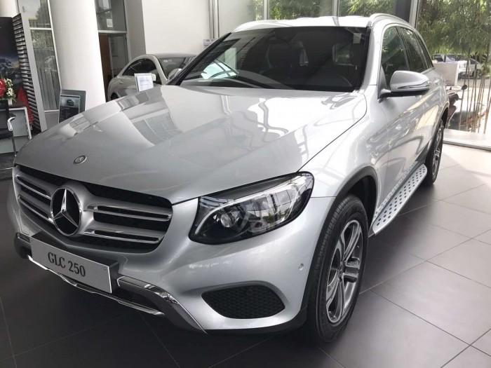 Bán xe Mercedes-Benz GLC 250 - GLC 300, có xe lái thử và giao ngay. LH: 0902.342.319