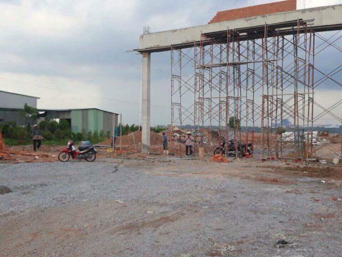 Bán đất nền ngay cổng KCN Mỹ Phước 4, cách QL13 chỉ 300m hỗ trợ xây nhà ngay.