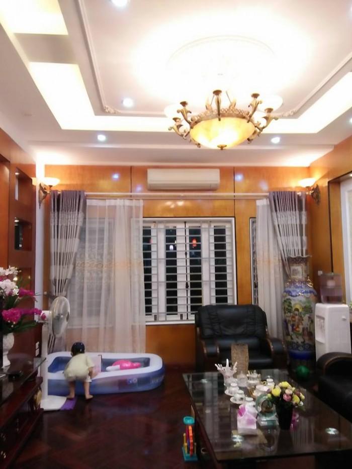Bán gấp nhà 11.3 tỷ Trần Quốc Hoàn, Cầu giấy, dt 68m2, Mt 4.8m