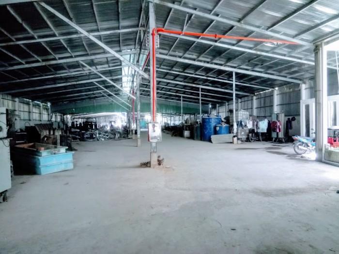 Bán kho, nhà xưởng 11500m2 tại xã Lê Minh Xuân, huyện Bình Chánh. 22 tỷ.