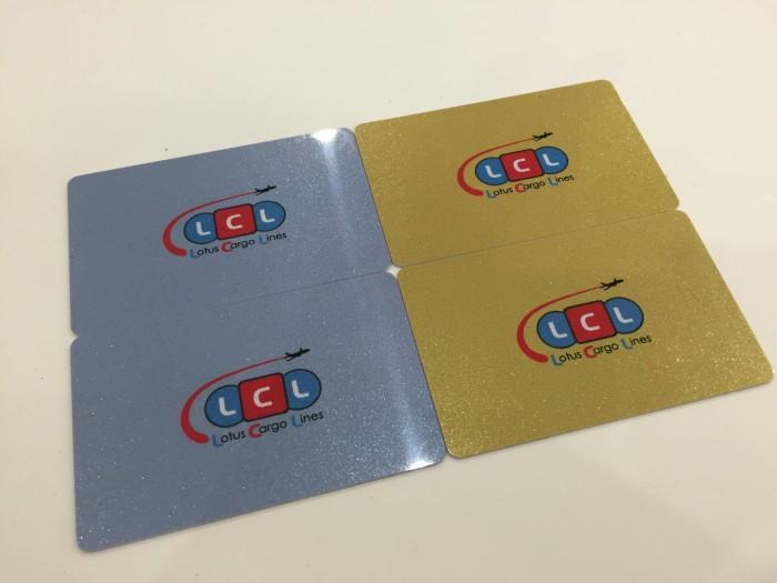 Đặt in thẻ nhựa số lượng lớn với công nghệ in offset, cho chất lượng đồng...
