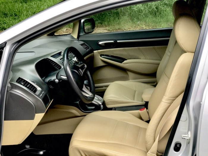 HOT - Bán Honda Civic 1.8AT đời 2012 màu bạc cực MỚI 8