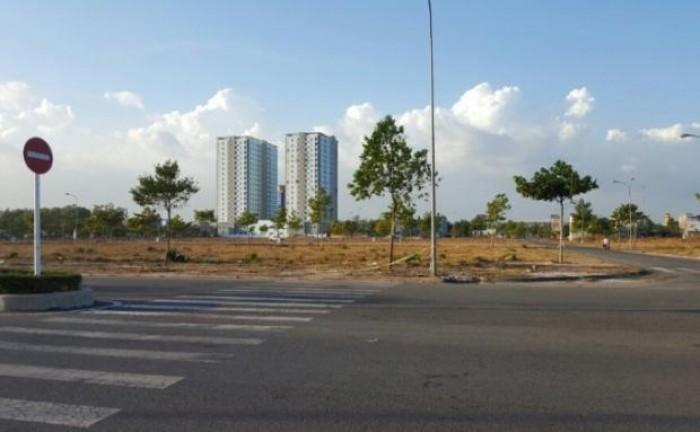 Đất nền gần khu đô thị Residence và Vincom 8tr/m2 ,Q.2