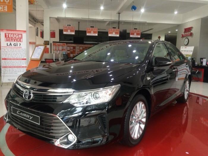 Toyota Camry 2.0E khuyến mãi cực khủng trong tháng 06/2017, tặng 03 năm bảo hiểm thân xe