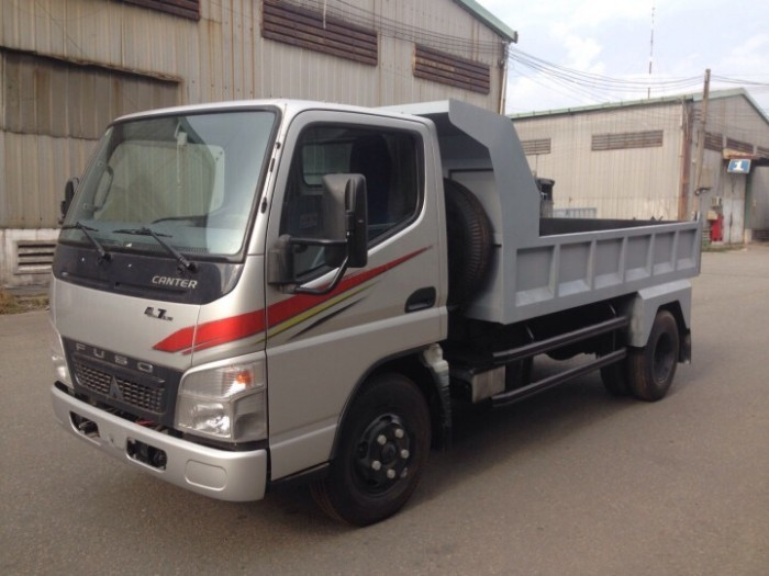 Mua trả góp xe tải Fuso 4.7 LW 1.9 tấn/1T9 thùng dài 4.4m giao ngay