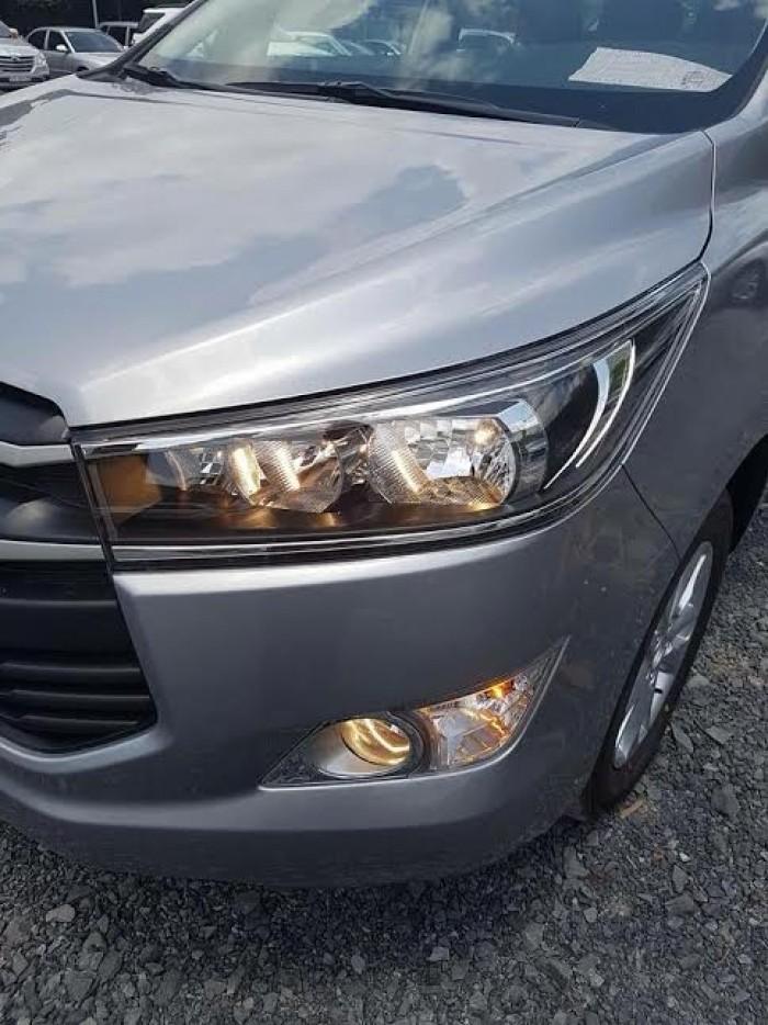 Khuyến mãi mua xe Toyota Innova, hỗ trợ trả góp, giao xe ngay