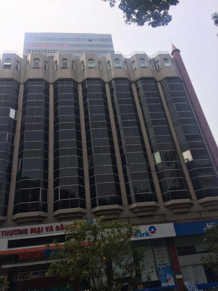 Bán nhà mặt phố Trần Hưng Đạo diện tích 820m2x 6 tầng, mt 20m giá 350tr/m2.